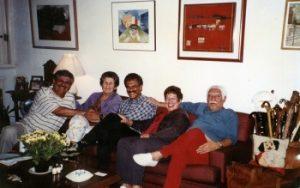 Acervo família Caymmi Família reunida. Na foto, a partir da esquerda, Dori, dona Stella, Danilo, Nana e Dorival.