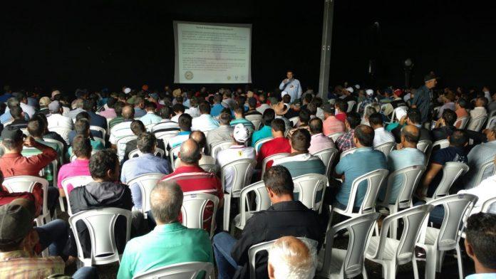 Legendas: Unidades Demonstrativas da Cooxupé levam informações importantes aos cooperados nos meses de abril e maio. Divulgação